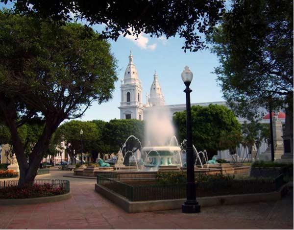 Plazas Las Delicias, Ponce, Puerto Rico